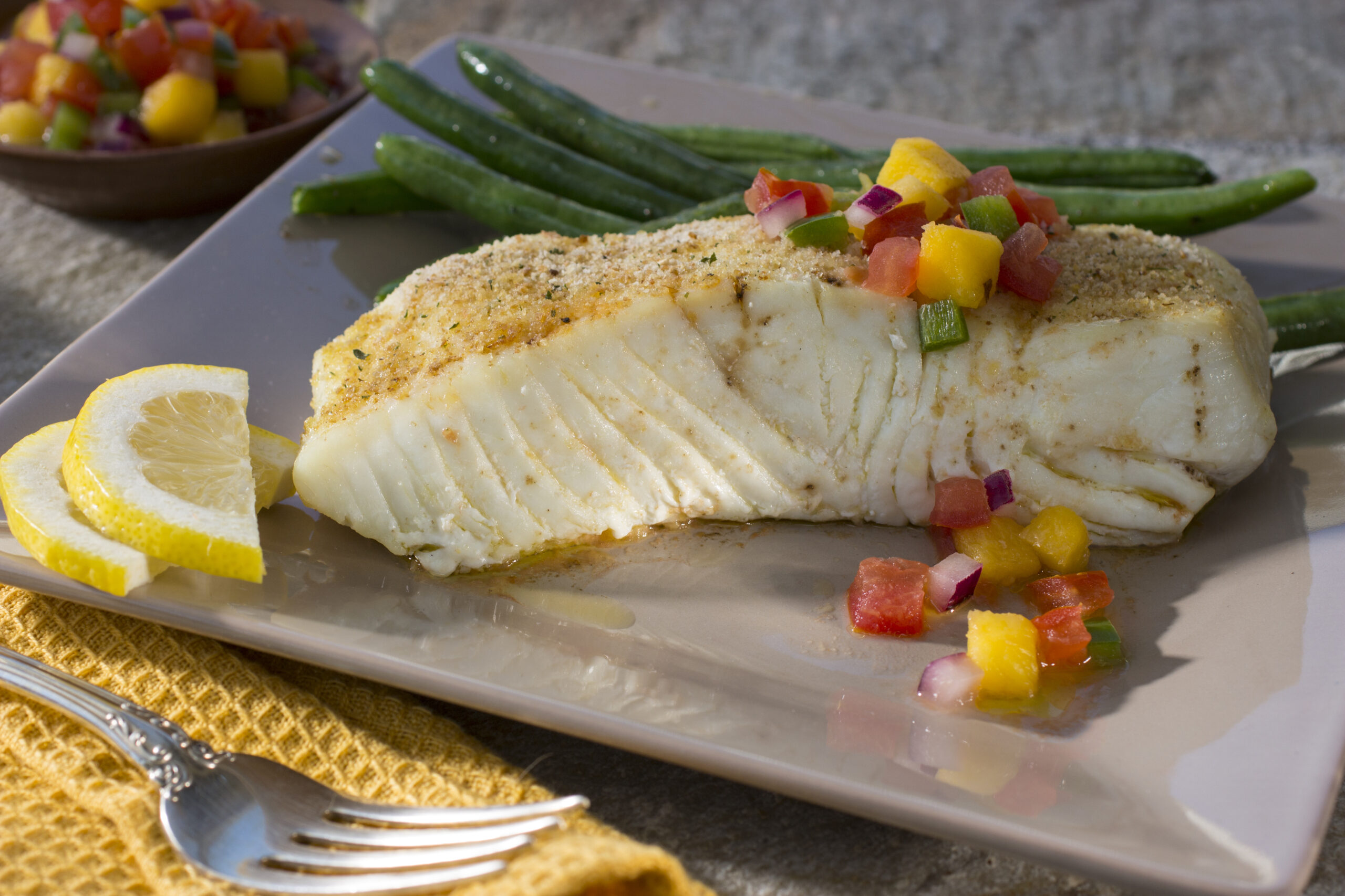 Plate-of-nutritious-and-healthy-fish