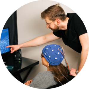 Girl-getting-Neurofeedback-and-functional-medicine-doctor-helping-her-at-maxwell-clinic-in-nashville